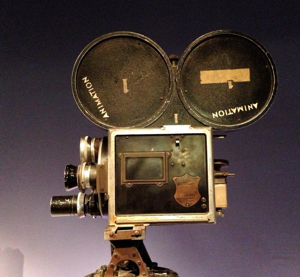 A Bell & Howell 35mm camera circia 1919.