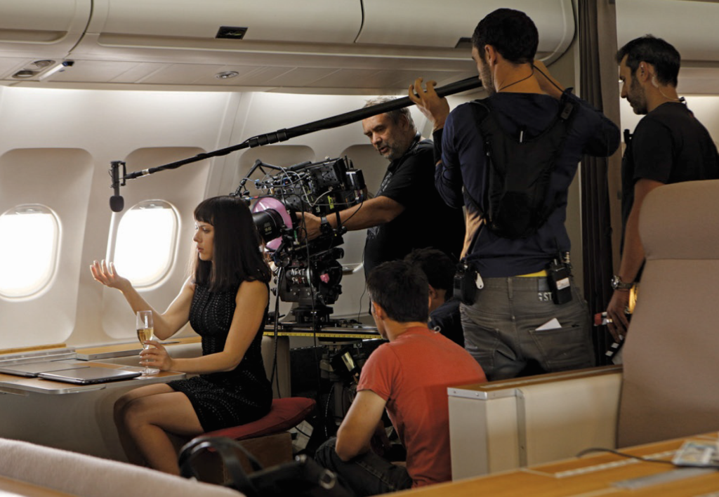 Behind the scenes of Lucy (2014).