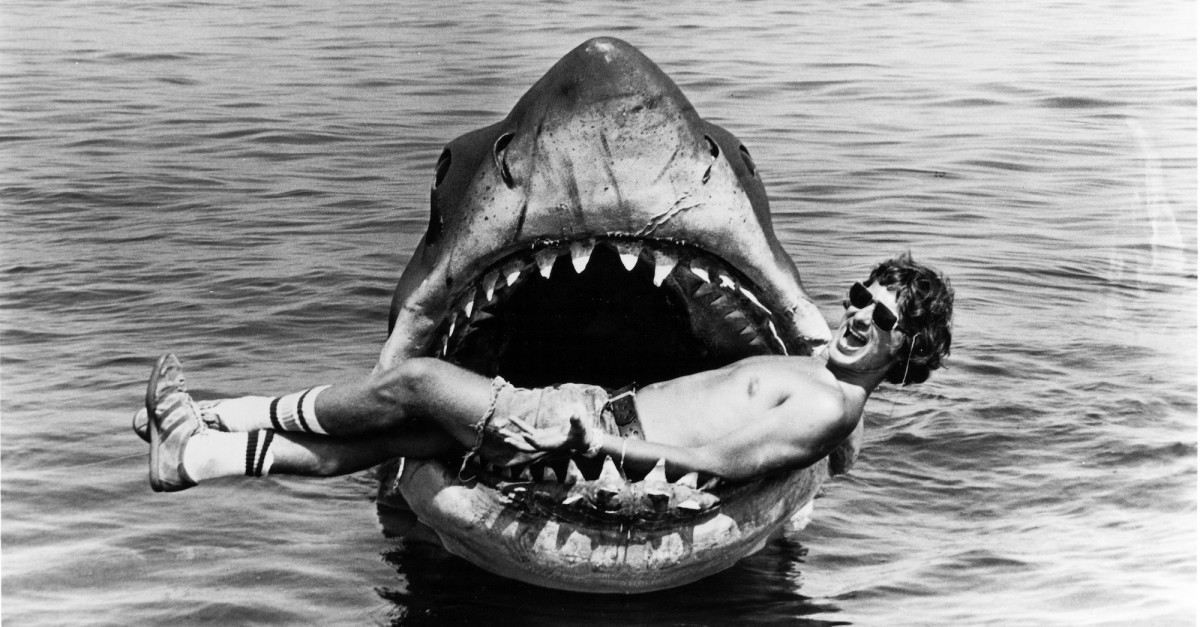 50 Behind the Scenes pics for Jaws' 40th Anniverssary