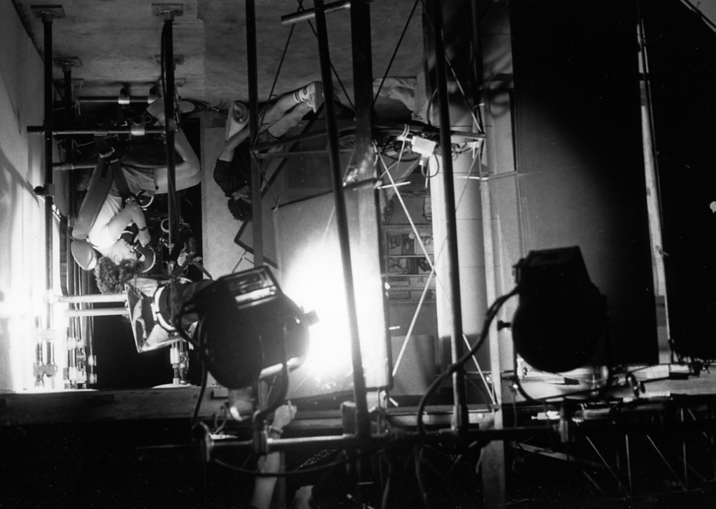 The gimbaled set used for the death scenes of both Tina (Amanda Wyss) and Glen (Johnny Depp). Here the rotating stage is upside down and the camera operator is strapped into a five-point racing harness.