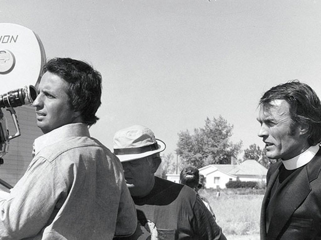 Michael Cimino and Clint Eastwood on the set of Thunderbolt and Lightfoot