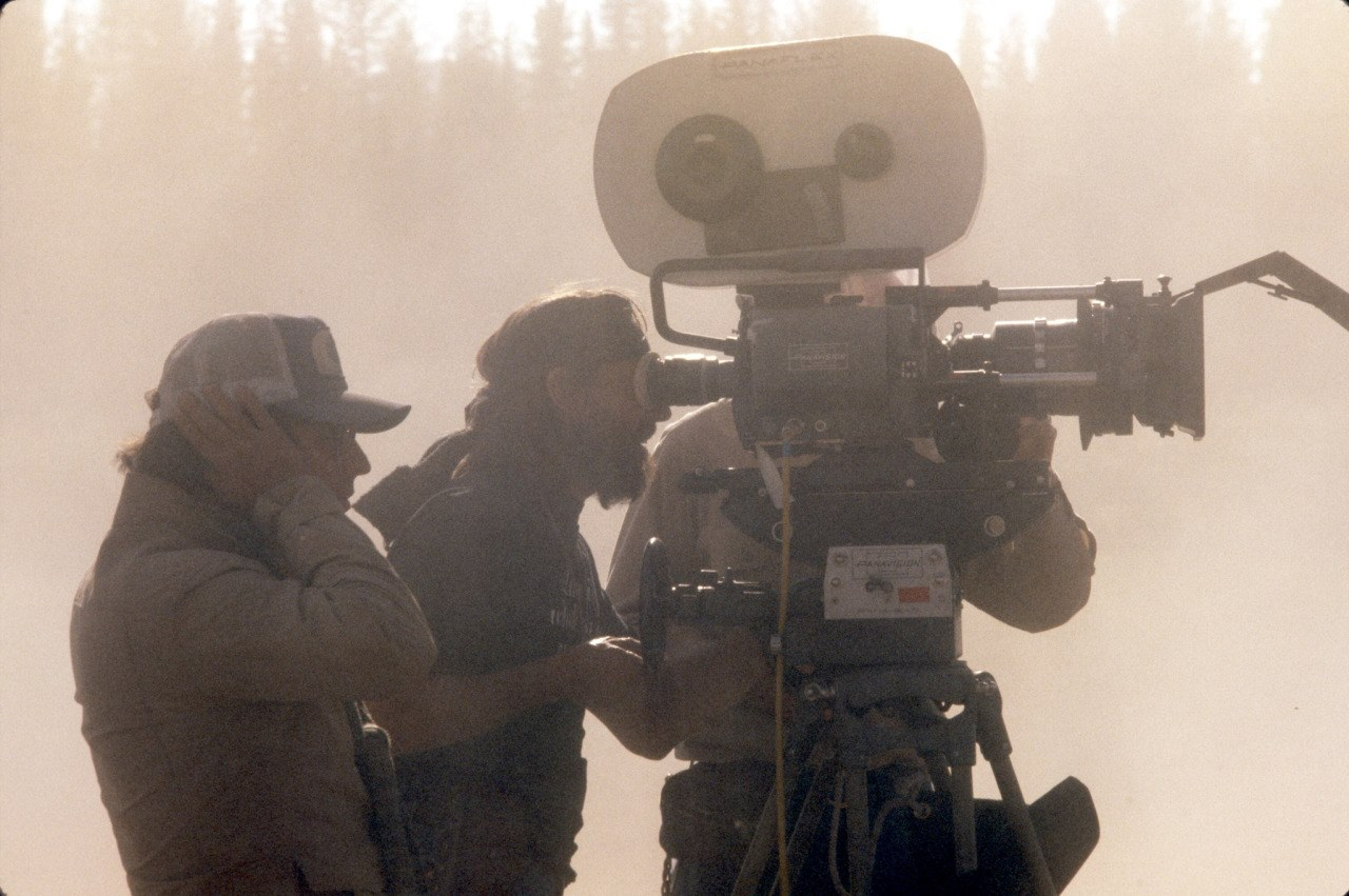 Michael Cimino and Vilmos Zsigmod on the set of Heaven's Gate