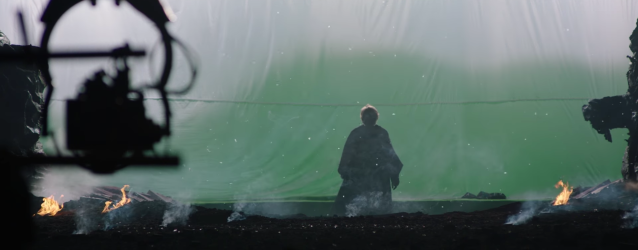 Mark Hamill behind the scenes of Star Wars The Last Jedi #2